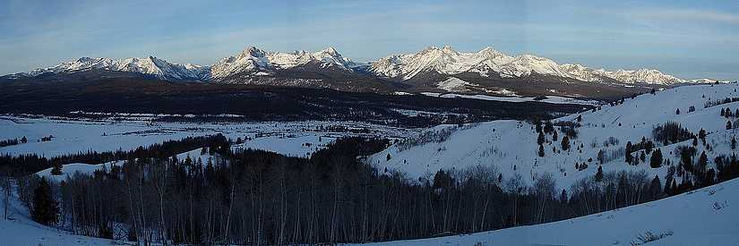 Panoramic view of the peaks on the Sawtooth front.